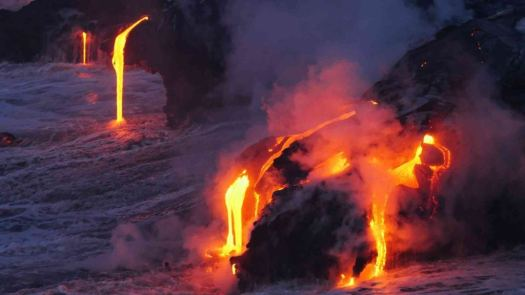 lava flow on the big island of hawaii